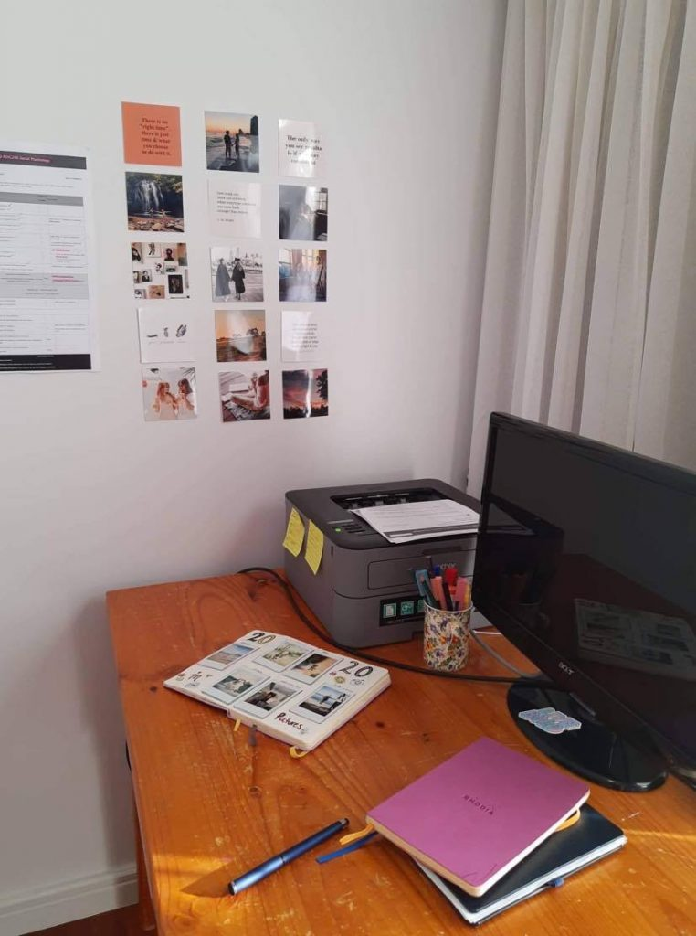vision board, how to make a vision board, study space, study, study set up, work space, work from home
